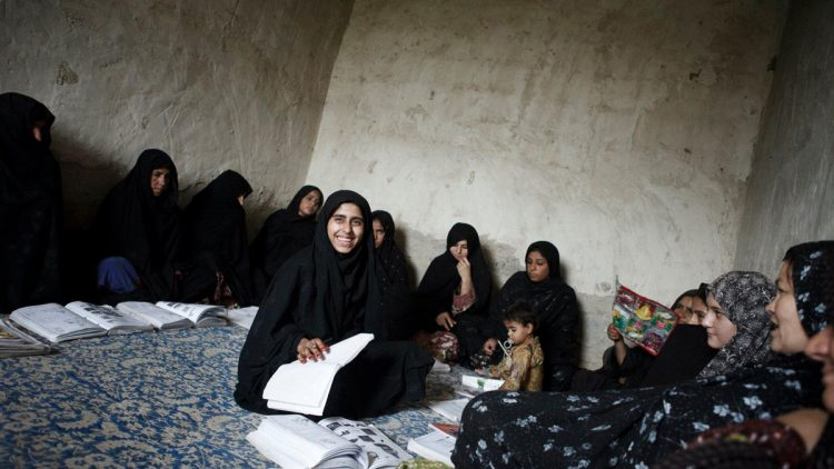 afghanistan-country-timeline-027081903-750x422.jpg