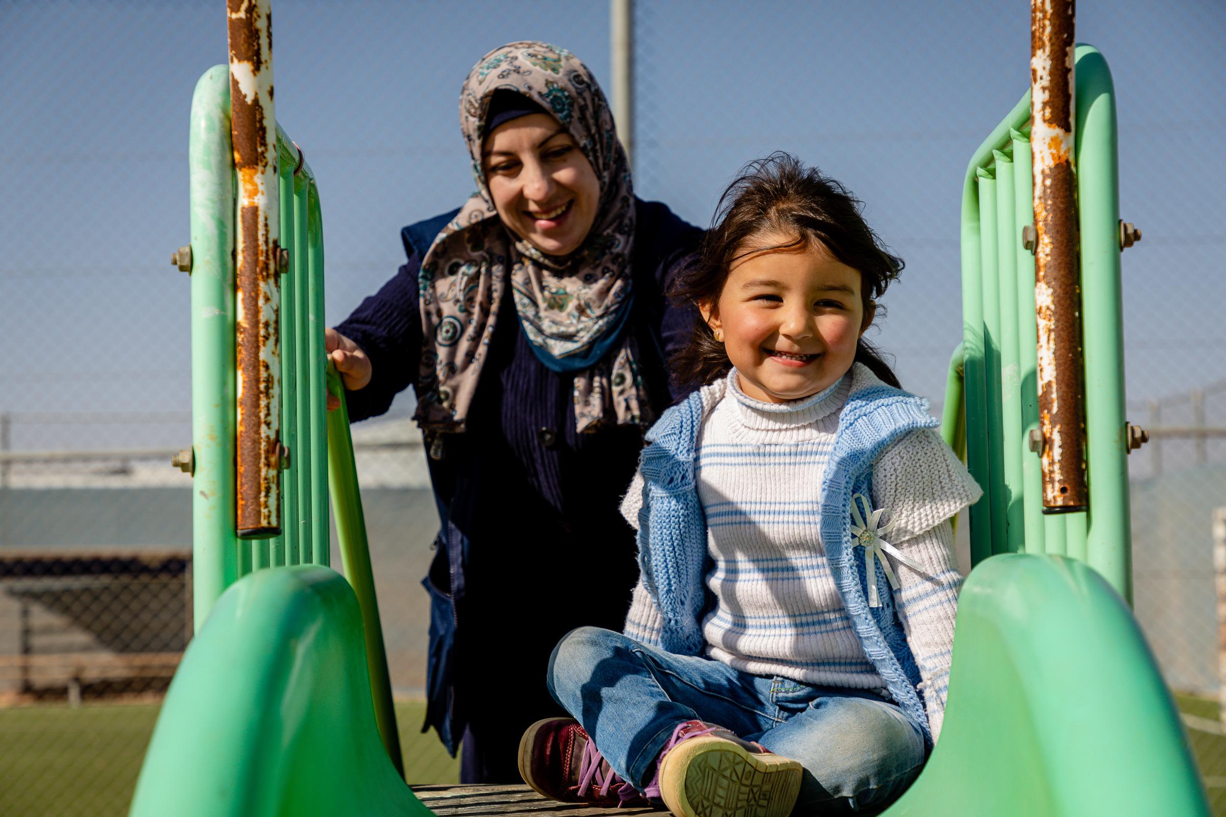 Rana-with-daughter-at-Azraq-ECD-center.jpg