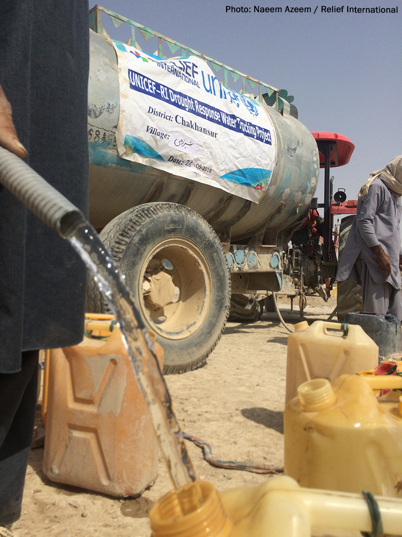 Water-Distribution-in-Drought-Affected-Area-of-Afghanistan-PC-Naeem-Azeem.jpg